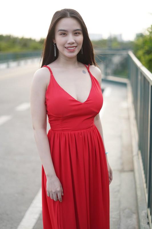 """""""Nong mat"""" phong cach thoi trang thieu vai cua hot girl Linh Miu-Hinh-9"""