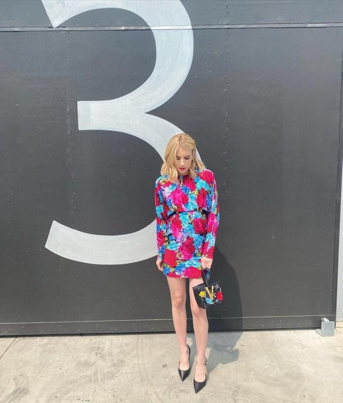 Gu thoi trang bau cuc sanh dieu cua my nhan Hollywood Emma Roberts-Hinh-6