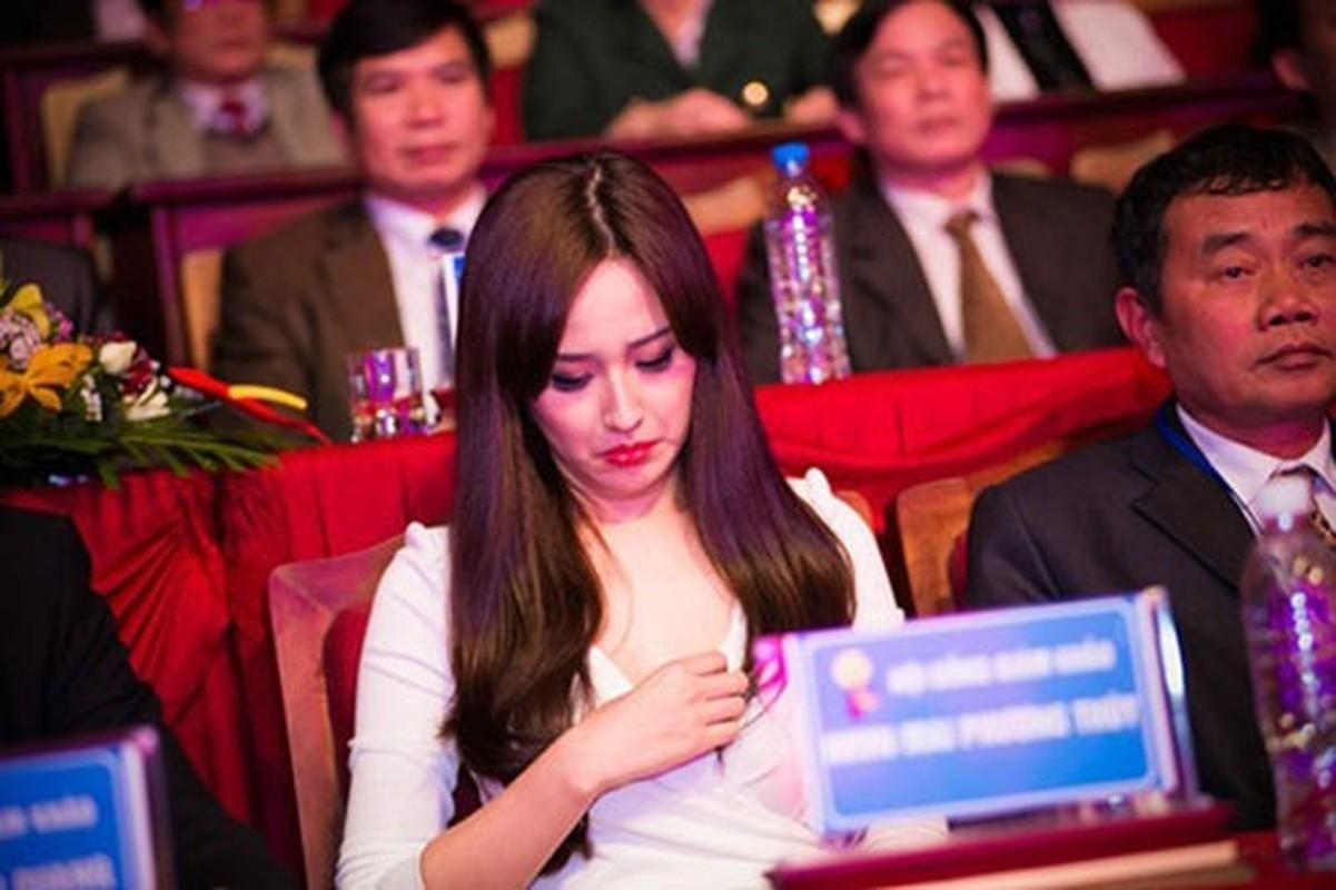 Ngan ngam sao Viet vo tu chinh trang phuc ho henh tren truyen hinh-Hinh-4