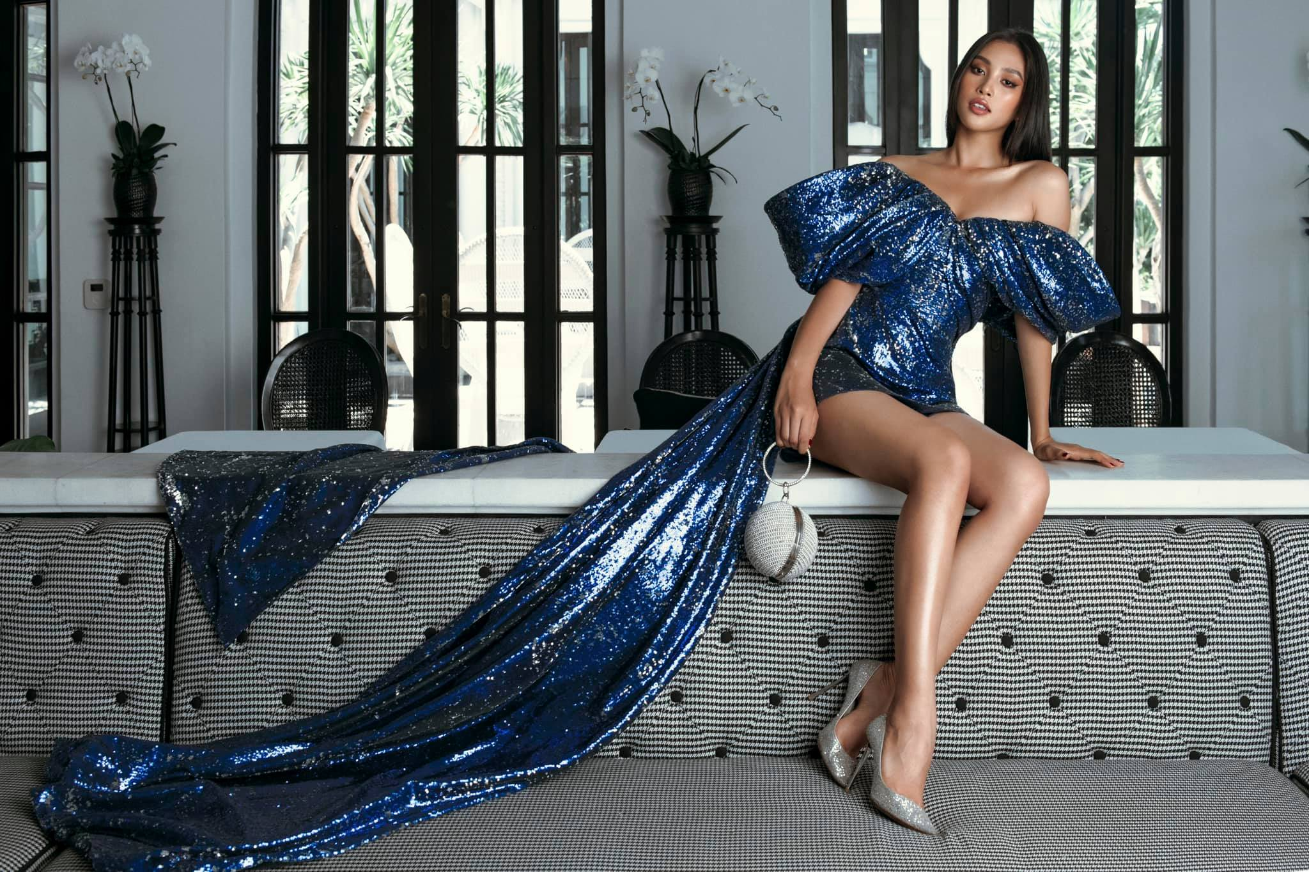 Hoa hau Tieu Vy cuc sexy voi loat vay cat xe den tan hong-Hinh-8
