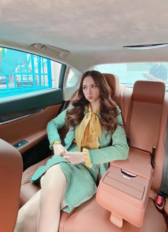 Hoc cach phoi do cong so thanh lich nhu hoa hau Huong Giang-Hinh-2