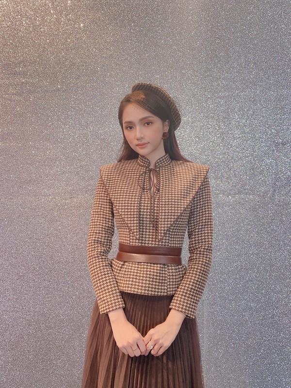 Hoc cach phoi do cong so thanh lich nhu hoa hau Huong Giang-Hinh-3