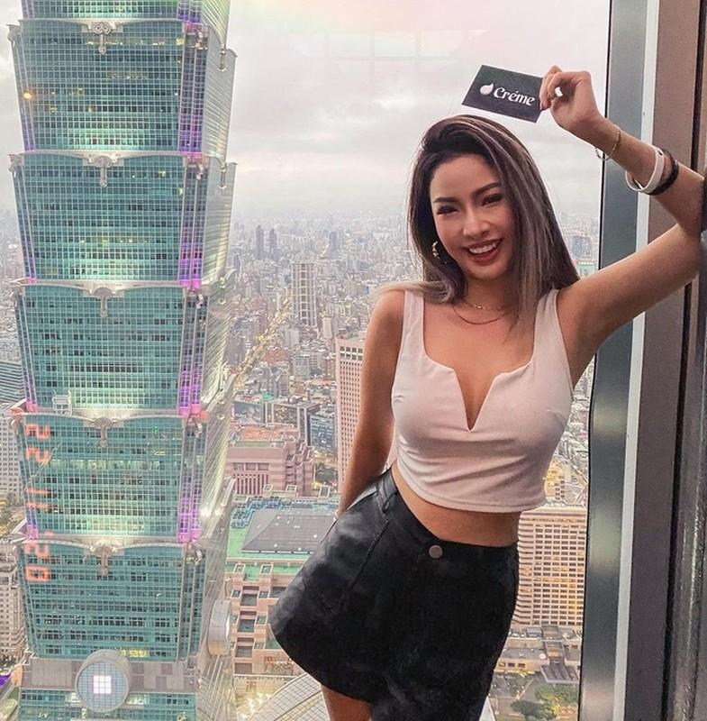 Gu thoi trang boc lua cua my nhan cap voi chong cu Chau Tan-Hinh-4