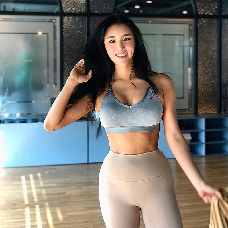 Bi an than hinh co bap cuon cuon cua my nhan Han Quoc U40-Hinh-3