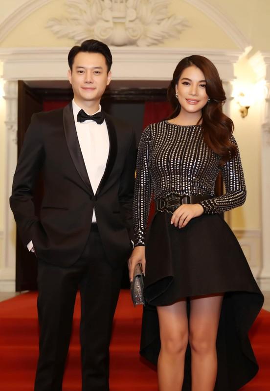Gu thoi trang nam tinh cua ban trai tin don Truong Ngoc Anh-Hinh-2