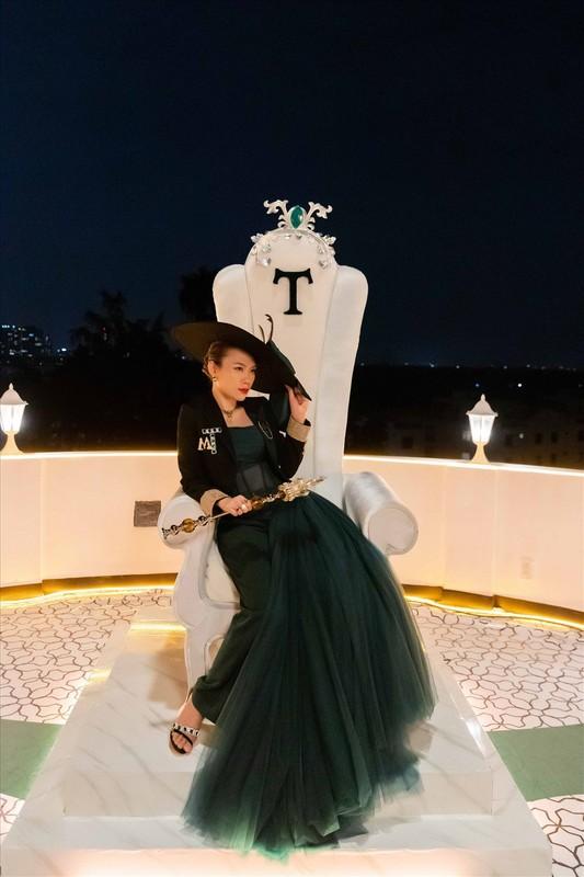 Ngam loat trang phuc an tuong cua My Tam trong MV moi-Hinh-3