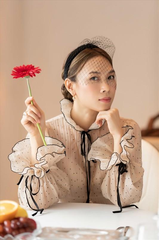 Ngam loat trang phuc an tuong cua My Tam trong MV moi-Hinh-4