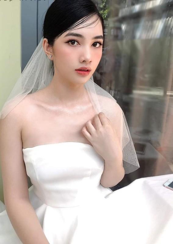 Tinh moi cua chong cu Le Quyen chuong gu thoi trang goi cam-Hinh-8