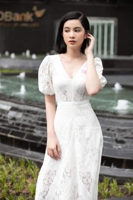 Tinh moi cua chong cu Le Quyen chuong gu thoi trang goi cam-Hinh-9