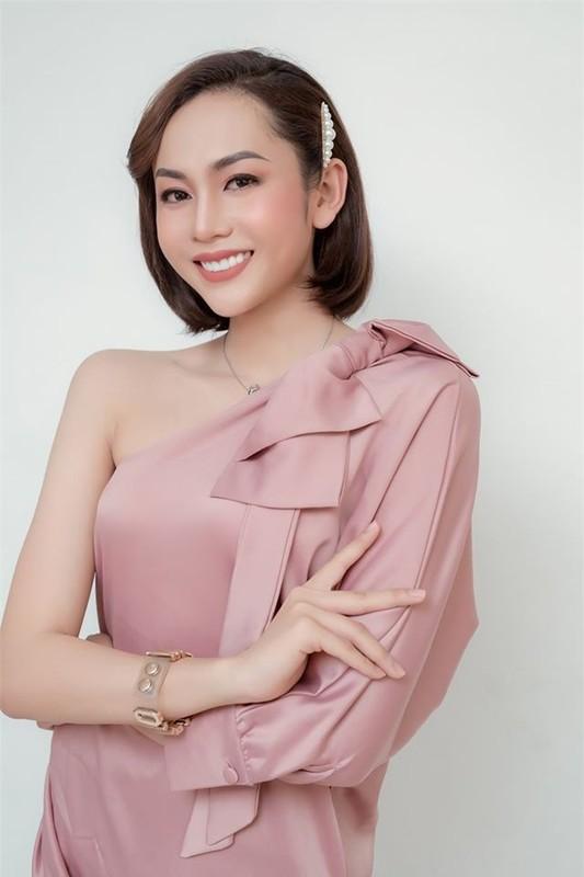 "Thi sinh chuyen gioi ""Dai su hoan my 2020"" an mac cuc nong bong ""dot mat""-Hinh-11"
