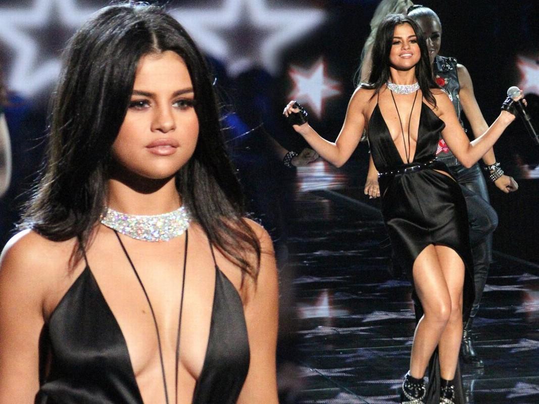 """Cham dien vay ao xe nguc sau, Selena Gomez nhieu lan """"dot mat"""" fan-Hinh-6"""