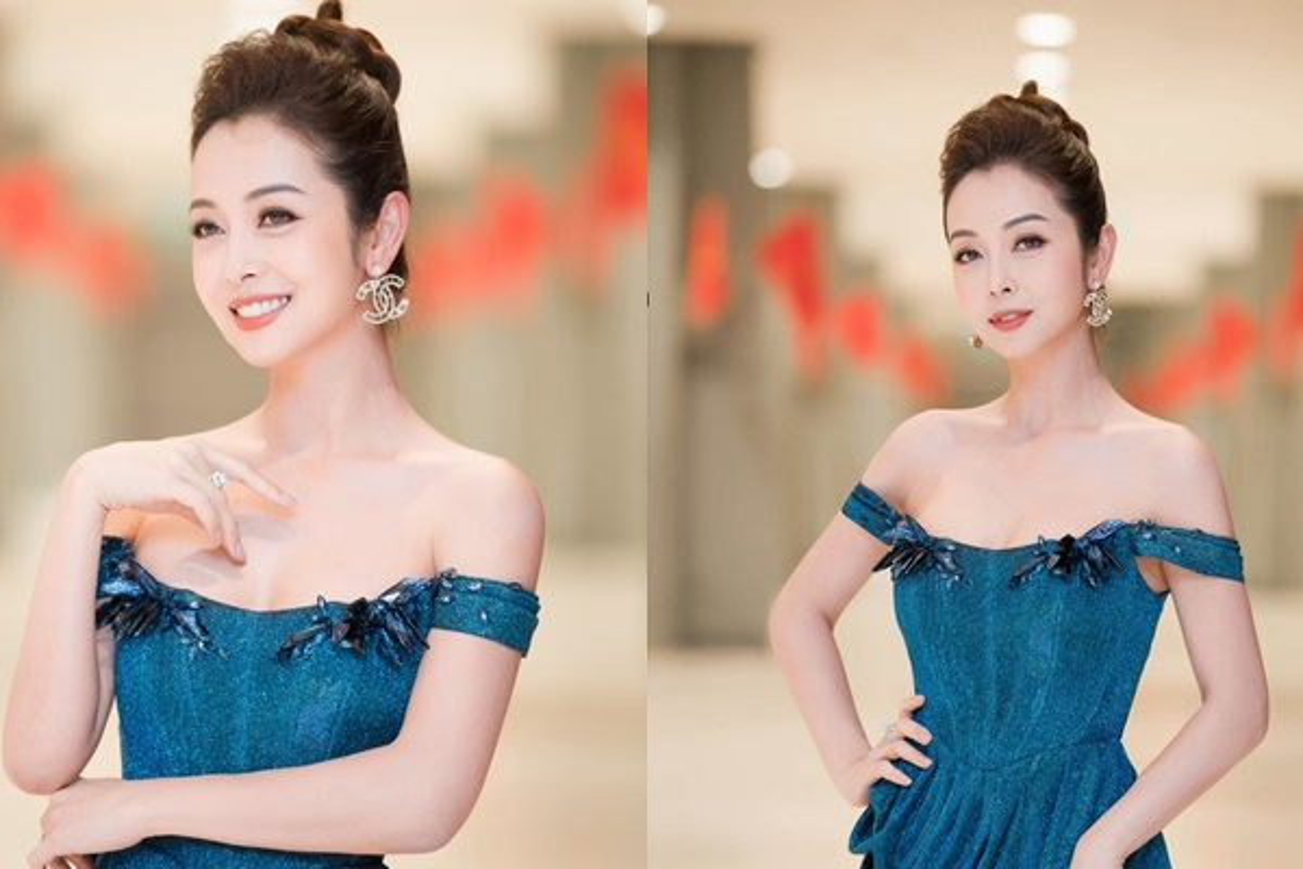Hoc hoa hau tuoi Suu Jennifer Pham giu dang nuot na o tuoi U40