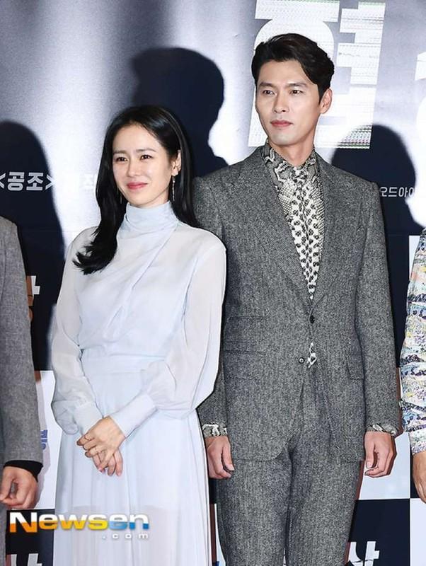 Hyun Bin va Son Ye Jin dien trang phuc dong dieu khien fan thich me-Hinh-7