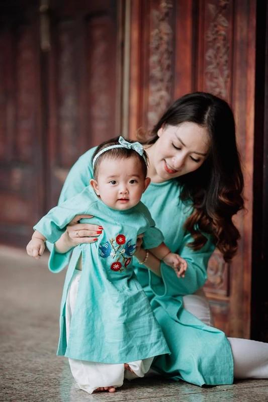 Mac ao dai dip Tet: My nhan Viet cung con gai mix do sao?-Hinh-12