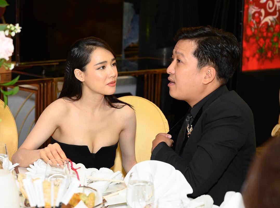 Ha Ho va loat my nhan Viet an mac goi cam sau sinh-Hinh-10