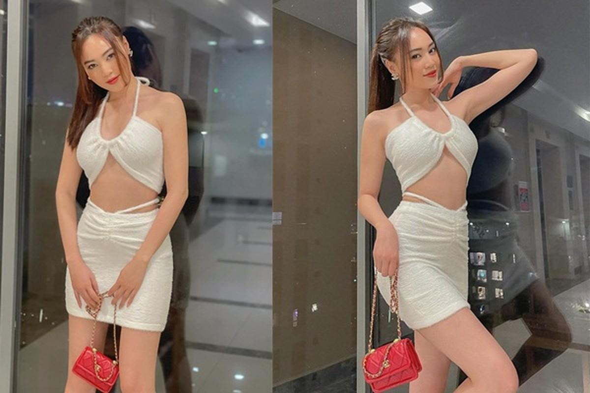 """""""Nhuc mat"""" thoi trang khoe eo thon sexy cua Ninh Duong Lan Ngoc"""