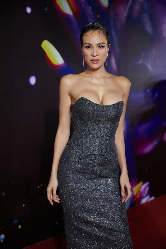MC Phuong Mai chuong gu an mac nong bong, sexy sau khi sinh con-Hinh-5