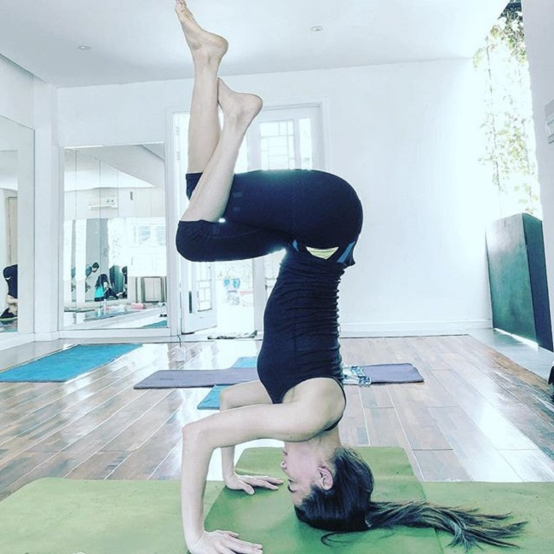 """My nhan Viet sexy """"nghet tho"""" khi thuc hien dong tac yoga trong cay chuoi-Hinh-5"""