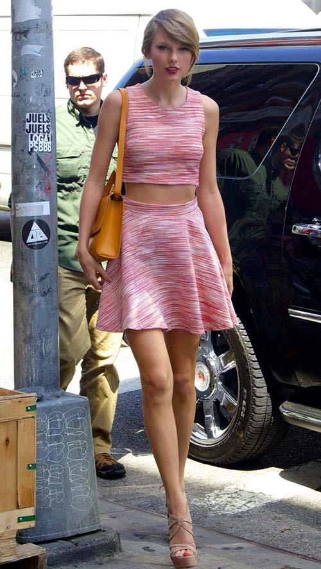 """Nhuc mat"" trang phuc khoe eo thon cua nu ca si Taylor Swift-Hinh-11"