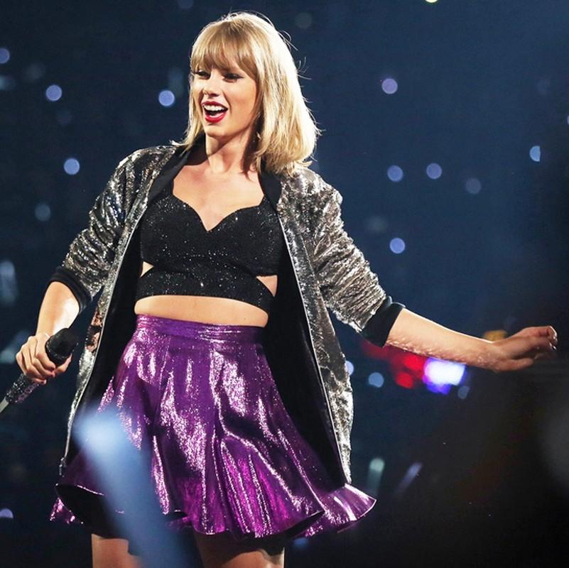 """Nhuc mat"" trang phuc khoe eo thon cua nu ca si Taylor Swift-Hinh-2"