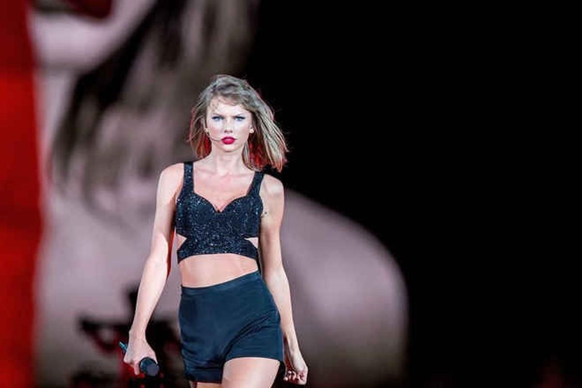 """Nhuc mat"" trang phuc khoe eo thon cua nu ca si Taylor Swift-Hinh-3"