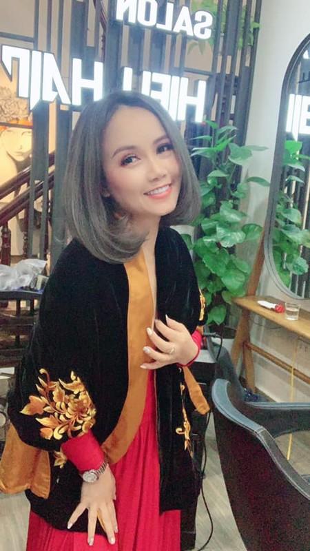 Dien vien Hoang Yen ly hon chong thu 4 mac tre trung khong ngo-Hinh-12