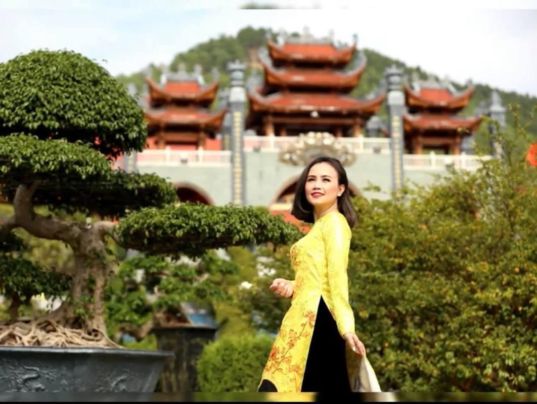 Dien vien Hoang Yen ly hon chong thu 4 mac tre trung khong ngo-Hinh-7