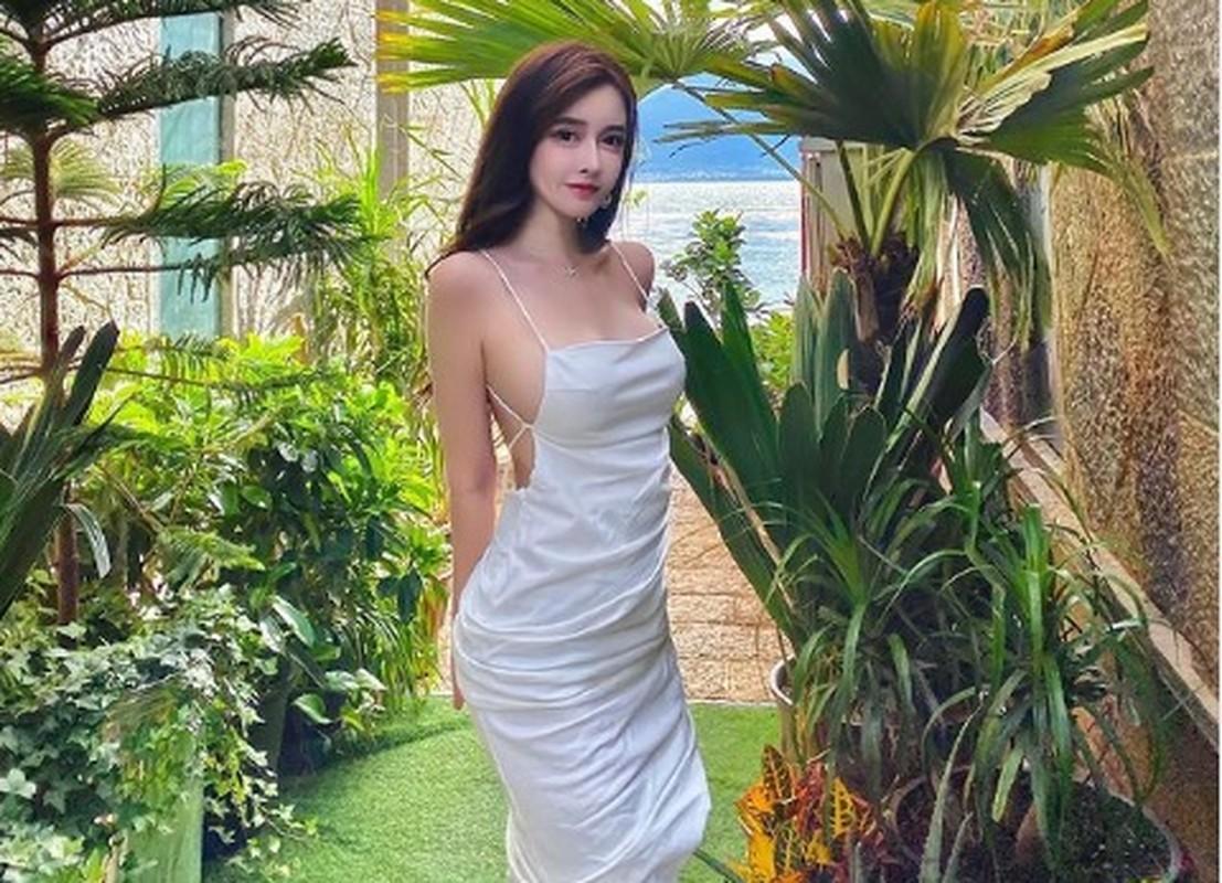 "Hot girl Trung Quoc gay sot mang nho trang phuc sexy khoe nguc ""khung""-Hinh-6"
