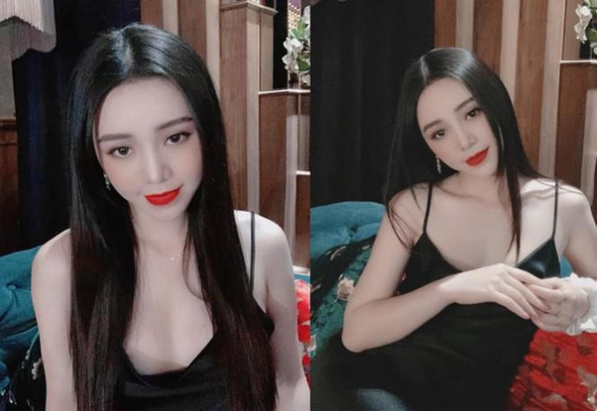 Hot girl dong Huong duong nguoc nang ngoai doi an mac goi cam khong ngo-Hinh-2