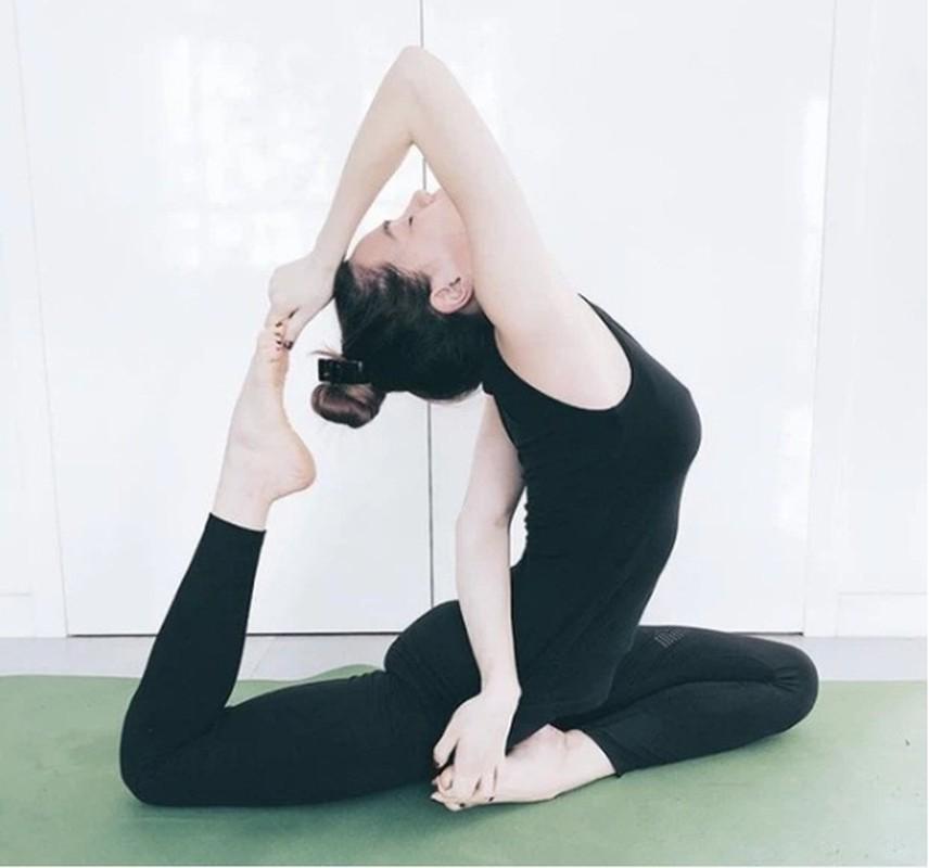 Ket than voi yoga, Ha Ho tap nhung dong tac cuc kho, sieu goi cam-Hinh-7