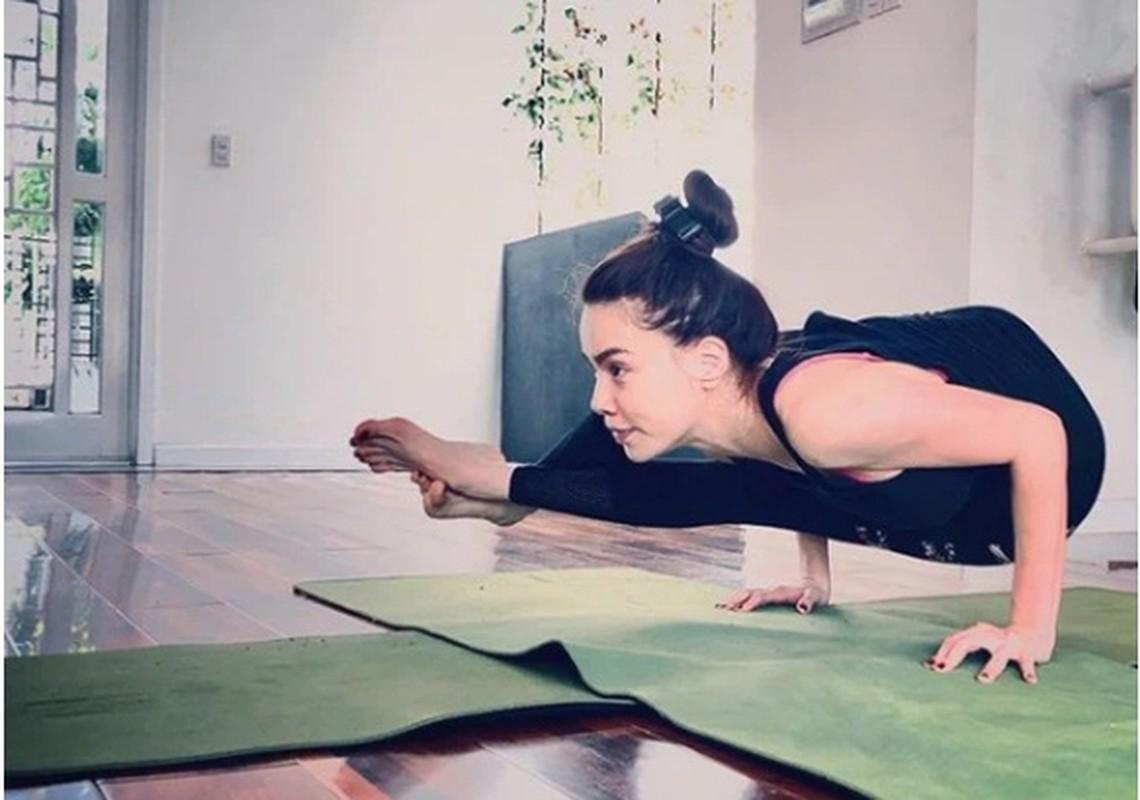 Ket than voi yoga, Ha Ho tap nhung dong tac cuc kho, sieu goi cam-Hinh-8
