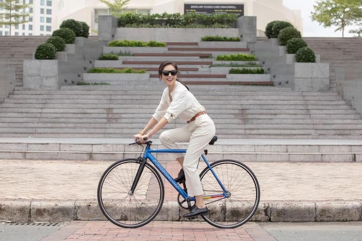 Ngo Thanh Van an mac tre trung khi yeu ban trai kem 11 tuoi-Hinh-4