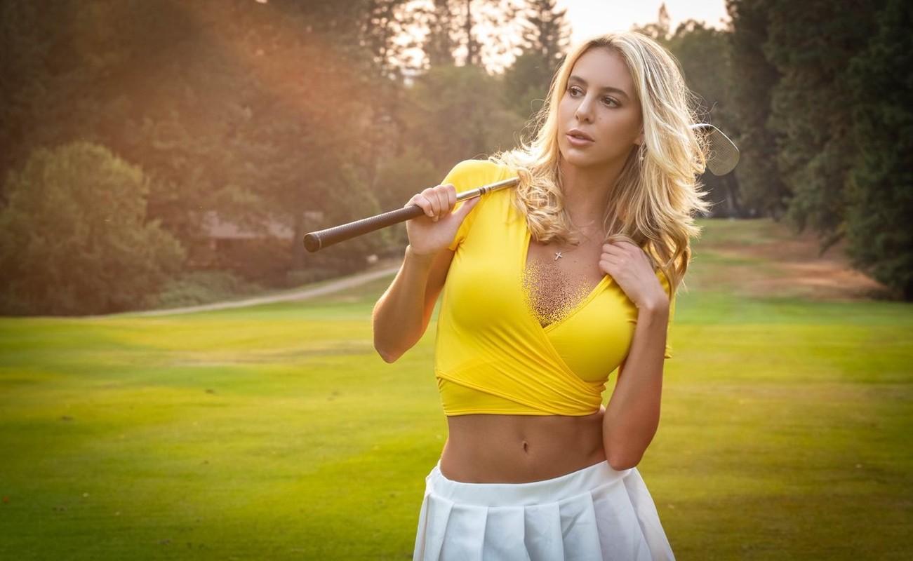 Nang mau nguoi My gay sot vi mac qua goi cam khi choi golf-Hinh-7
