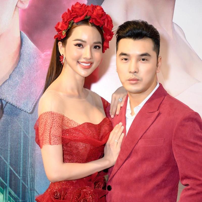 Ba xa Ung Hoang Phuc cham mac goi cam khoe dang sau 3 lan sinh no-Hinh-5