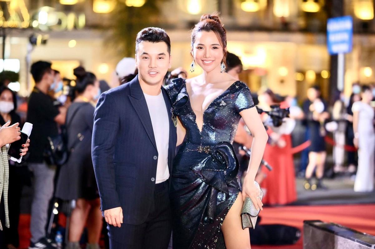 Ba xa Ung Hoang Phuc cham mac goi cam khoe dang sau 3 lan sinh no-Hinh-6