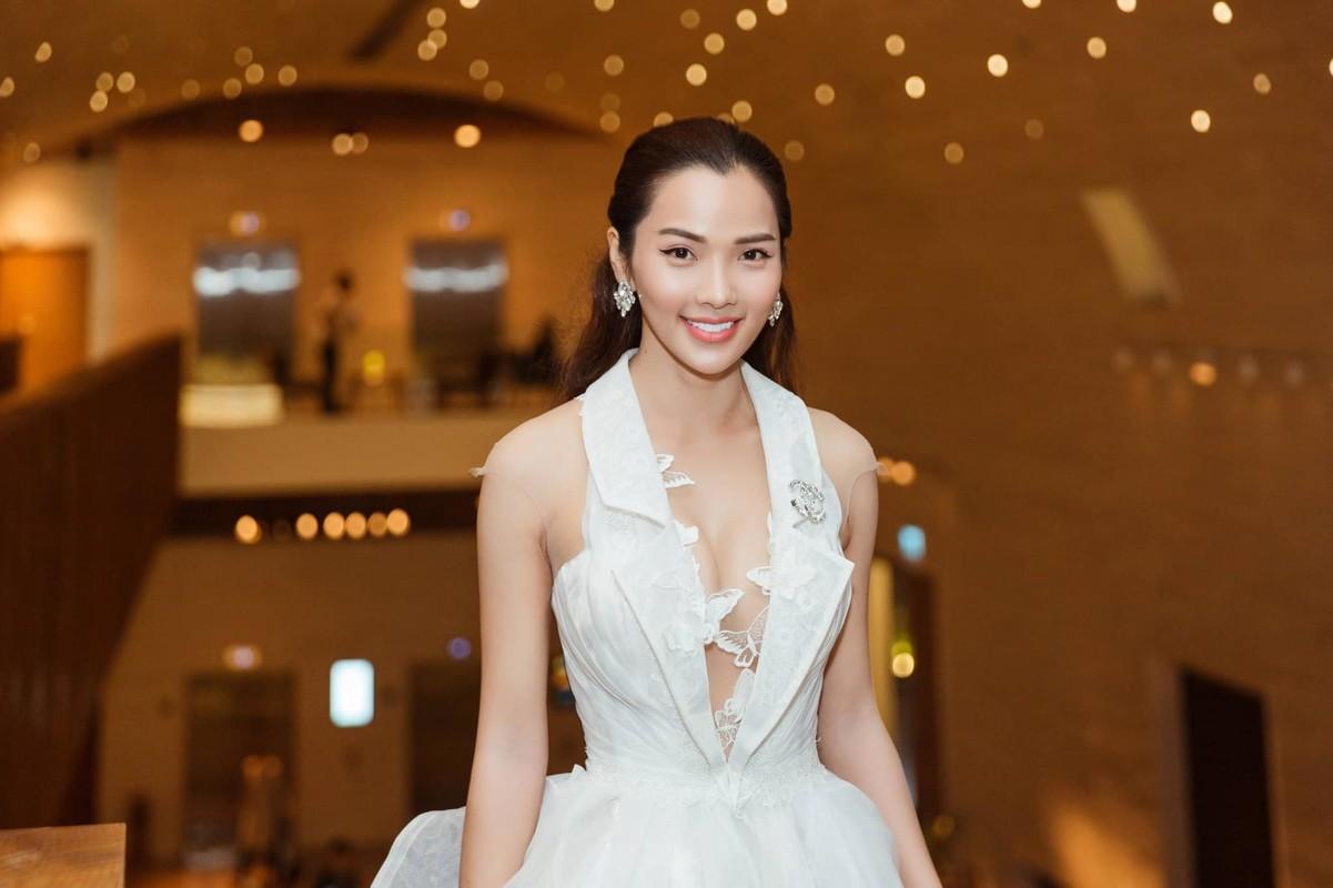 Ba xa Ung Hoang Phuc cham mac goi cam khoe dang sau 3 lan sinh no-Hinh-8