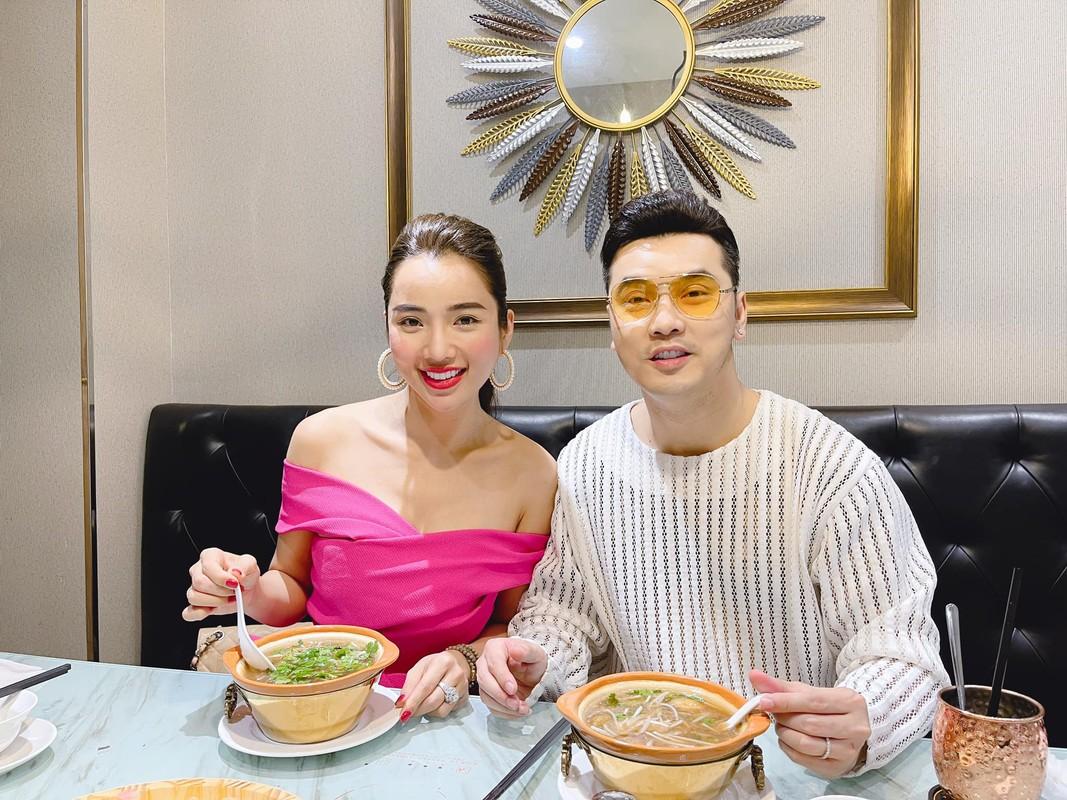 Ba xa Ung Hoang Phuc cham mac goi cam khoe dang sau 3 lan sinh no-Hinh-9