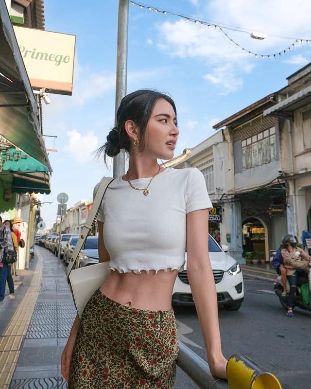 """Ma nu Thai Lan"" Mai Davika ""dot mat"" fan voi trang phuc khoe eo thon 58cm-Hinh-8"