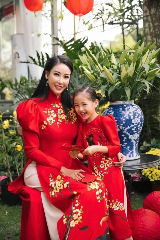 Gai ut Hoa hau Ha Kieu Anh an mac nu tinh, nhe nhang tua nang tho-Hinh-6