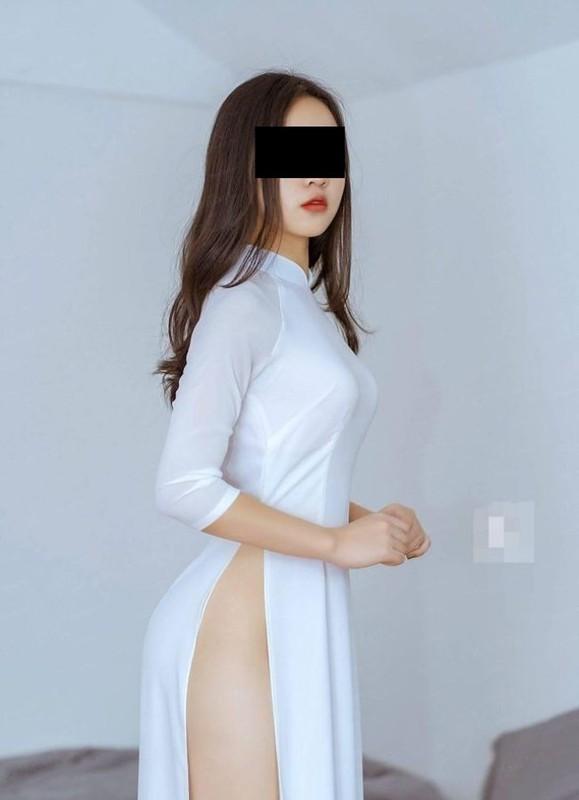 Nhung lan nu sinh Viet gay soc vi cach dien ao dai phan cam-Hinh-10