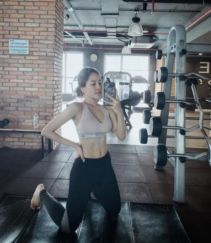 "Bi kip giup hot girl Tram Anh tu tin mac bikini khoe voc dang ""boc lua""-Hinh-6"