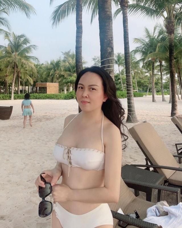 Giua on ao chia tay tinh tre, Phuong Chanel van mac goi cam khoe body-Hinh-2