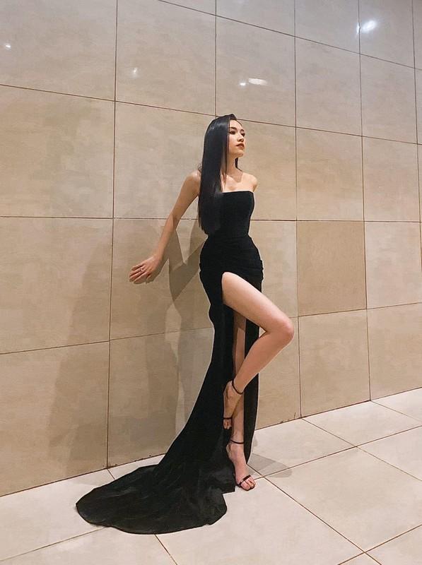 "Nu MC Viet chan dai 1,1m gay sot voi gu thoi trang goi cam ""muot mat""-Hinh-10"