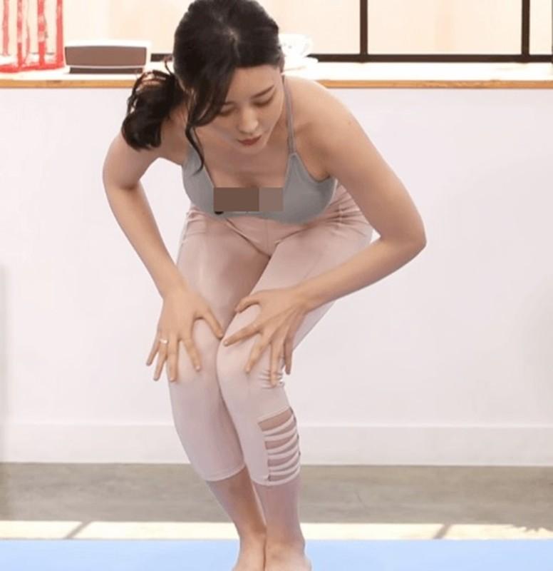 "Cach an mac ho bao cua cac co giao yoga khien hoc vien ""nong mat""-Hinh-6"