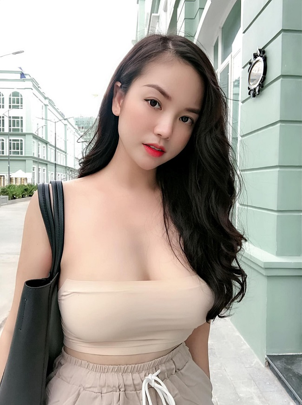 My nhan Viet chuong ao quay khoe vong mot tao bao-Hinh-12