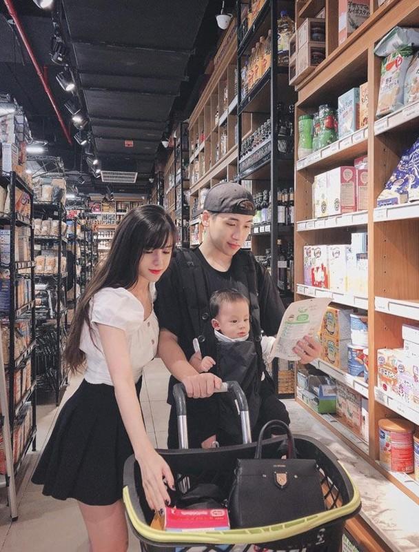 """Ngam gu thoi trang """"chanh sa"""" cua vo hot girl vlogger Huy Cung-Hinh-3"""