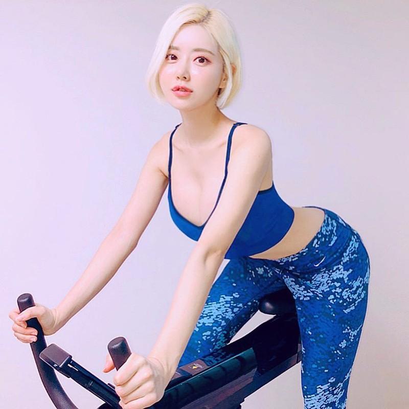 Gu thoi trang cuc nong bong cua nu DJ sexy nhat Han Quoc-Hinh-5