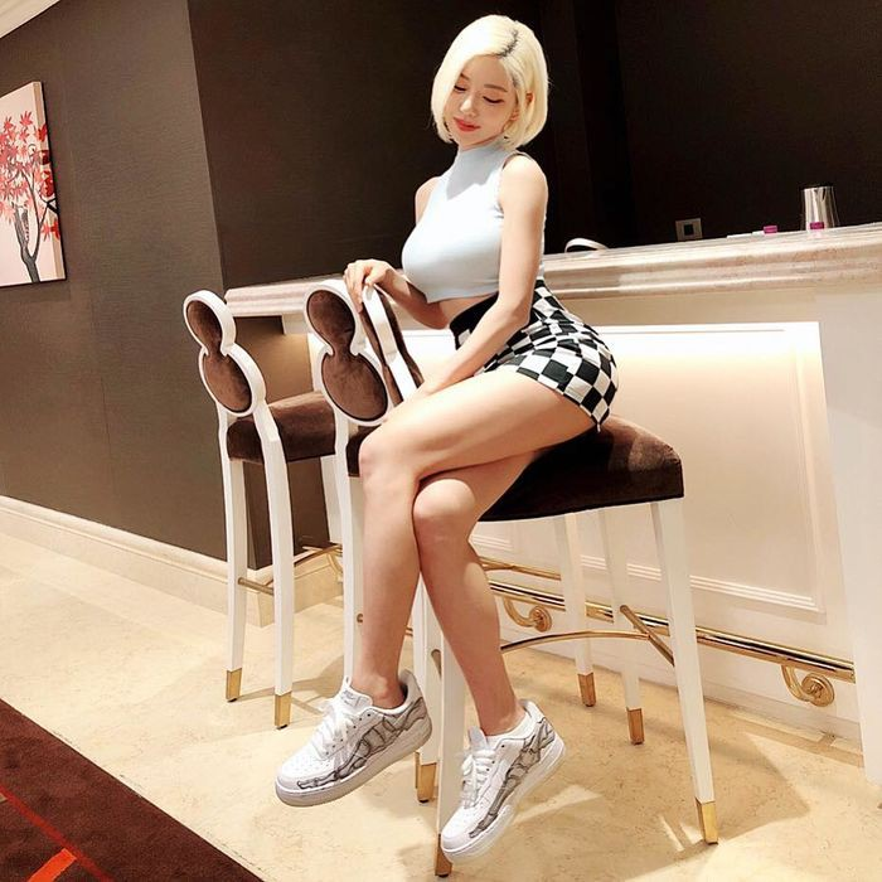 Gu thoi trang cuc nong bong cua nu DJ sexy nhat Han Quoc-Hinh-7