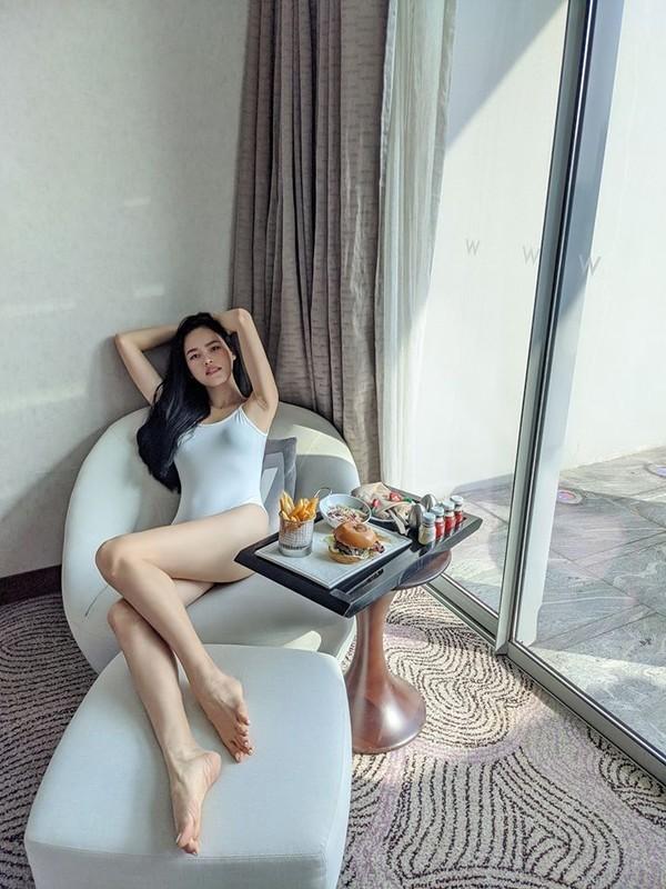 """""""Hoa hau"""" Next Top Viet giu dang nuot na nho yoga-Hinh-6"""
