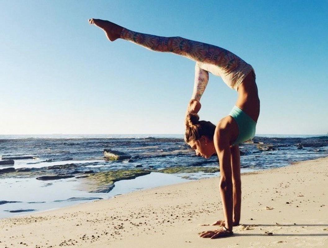 Ngat ngay voi than hinh sieu chuan cua nu huan luyen vien yoga-Hinh-10